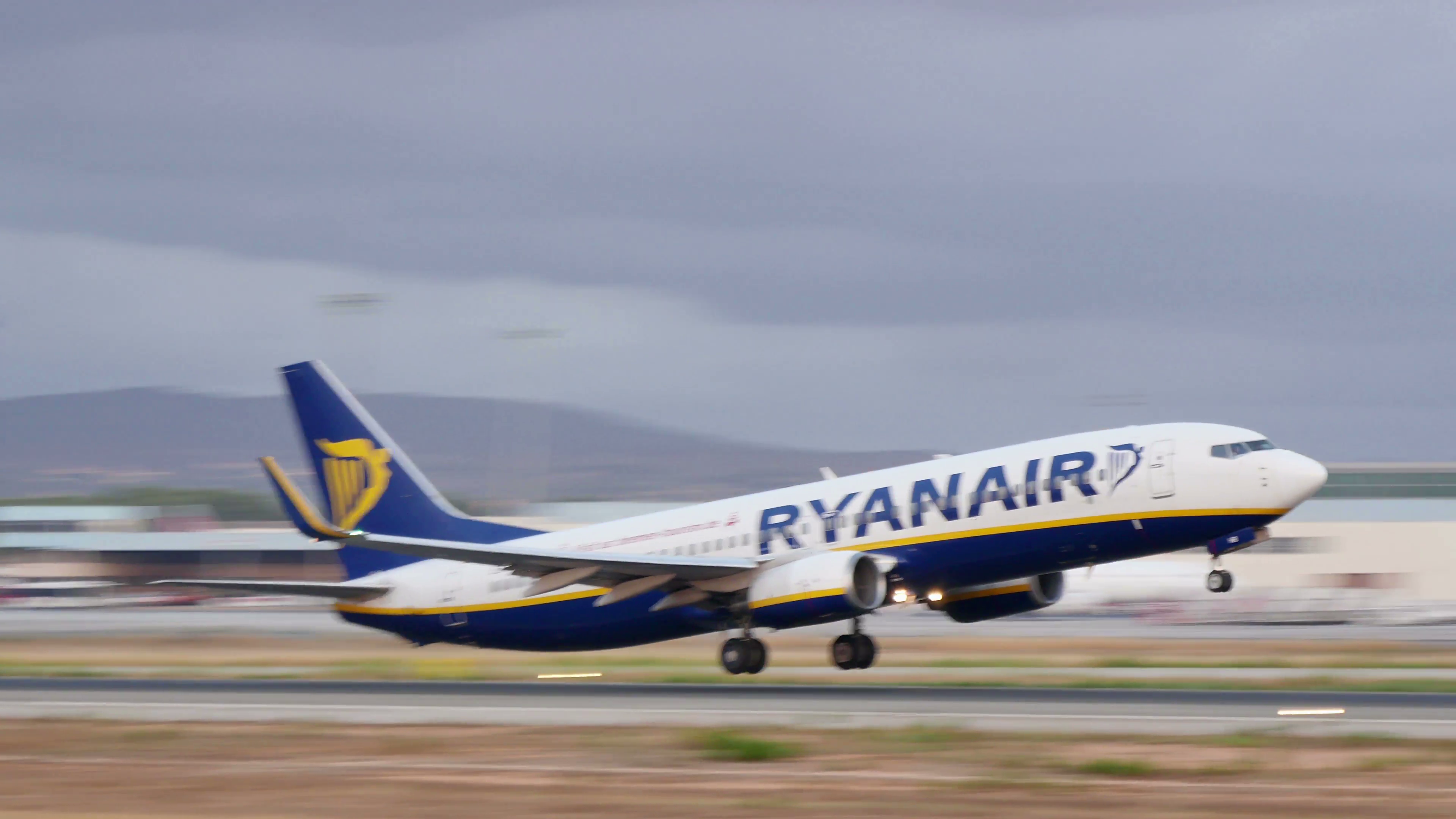 Boeing Airplane Taking Off at Majorca Airport. Passenger airplane taking off  at Majorca airport. Ryanair Airlines passenger airplane taking off. - Airplane Taking Off PNG
