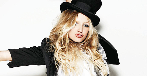 Hello everyone! Today, I want to share with you a project that I have in  mind. I want to show to Ashlee Simpson that her fans are still there, PlusPng.com  - Ashlee Simpson PNG