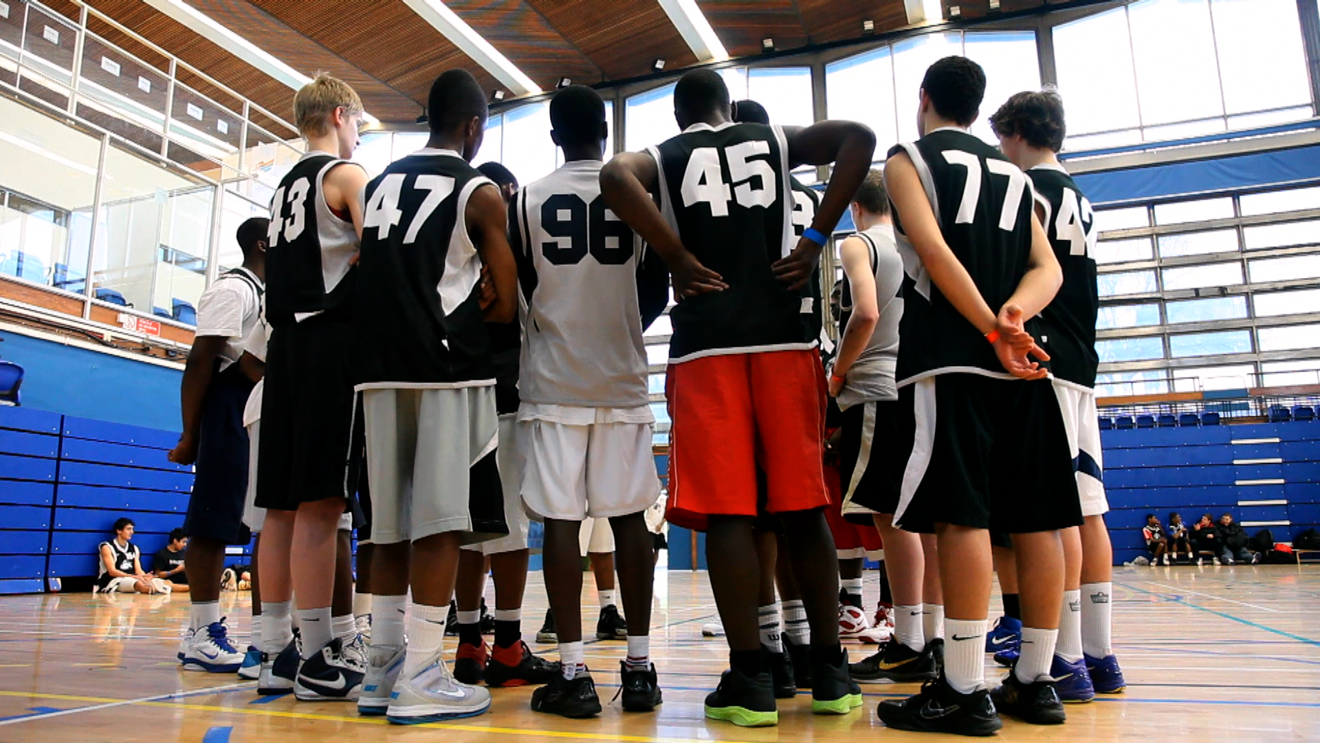 CHOOSE PlusPng.com  - Basketball Team Huddle PNG