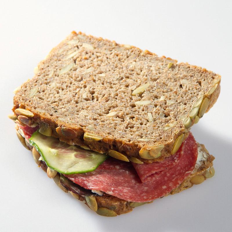 Belegtes Brot mit Salami - Belegtes Brot PNG