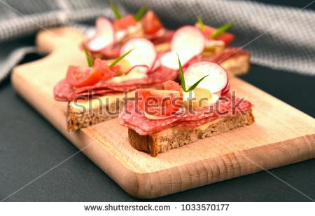 Rye bread with Salami and alot vegetable (German name is belegtes Brot) - Belegtes Brot PNG