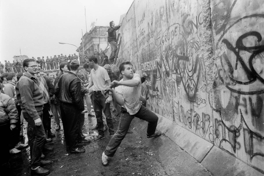 The Fall Of The Berlin Wall - Berlin Wall PNG