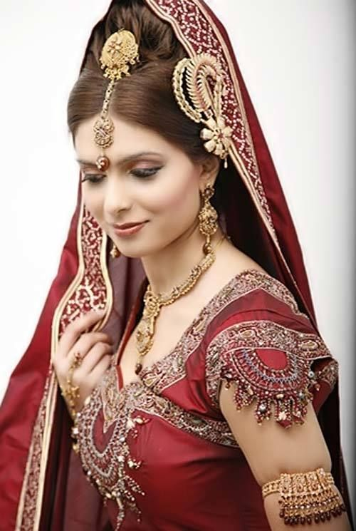 East Indian Traditional-red-and-gold-bridal-dress - Bride HD PNG