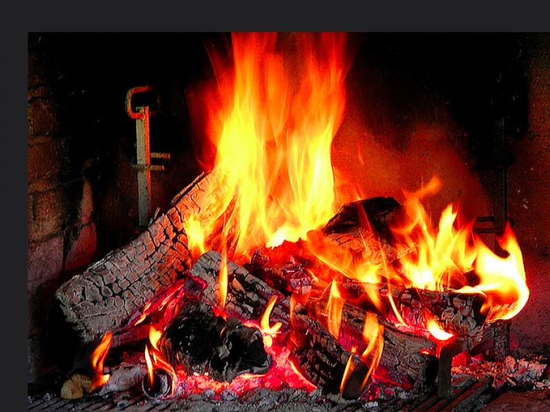 Ban On Firewood Burning In Effect Tomorrow - Burning Wood PNG