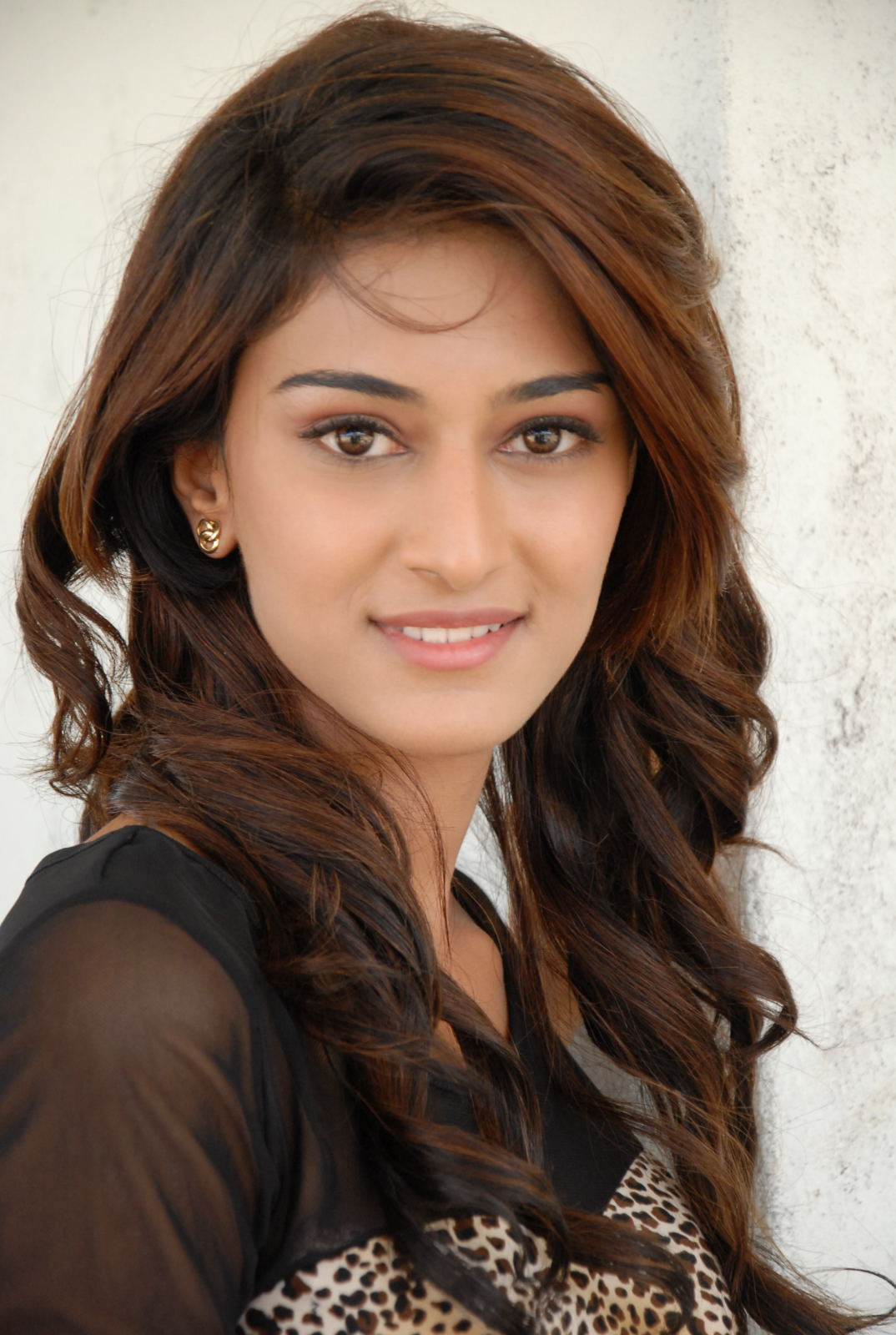 Most Popular Celebrities Erica Fernandes HD Wallpapers - Celebrities HD PNG