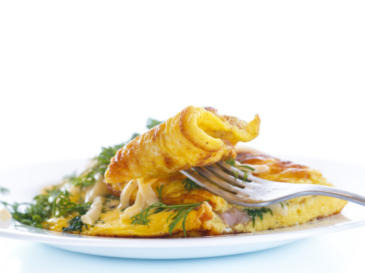 Omelette with goat cheese and bacon - Cheese Omelette PNG