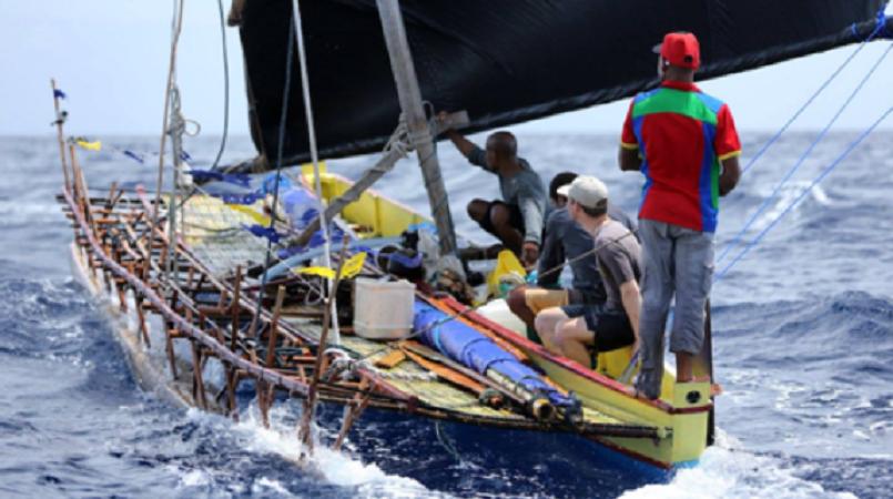 Danish filmmaker tours PNG in dugout canoe - Dugout PNG