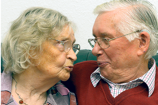 Seit 65 Jahren ein Paar: Anneliese und Gerhard Bauch. - Ehepaar Hochzeit PNG