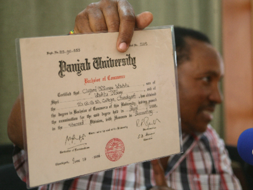 SEAL: Ferdinand Waititu at the media briefing yesterday. PHOTO/HEZRON  NJOROGE - Fake Degree PNG