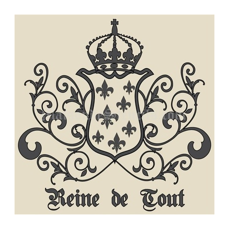 Reine de Tout with Crown and