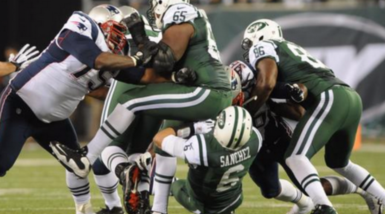 New England Patriots taunt New York Jets on Twitter with u0027butt fumbleu0027  photo | SI pluspng.com - Football Fumble PNG