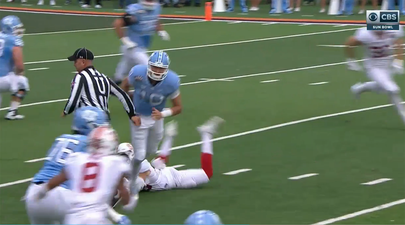 The referee and not Stanford made North Carolina fumble - Football Fumble PNG