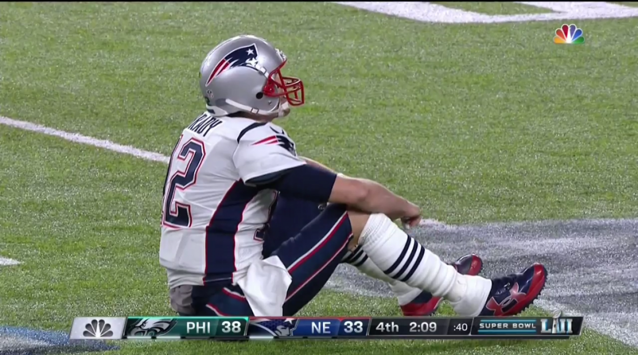 Tom Brady fumbles in Super Bowl on Brandon Graham sack (video) | SI pluspng.com - Football Fumble PNG