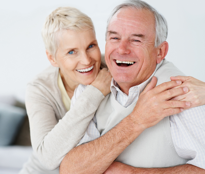 How to Take Care of Your Teeth in Old Age - Helping Old Age People PNG