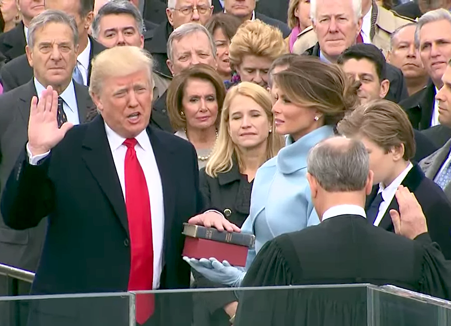 File:Donald Trump taking his Oath of Office.png - His PNG