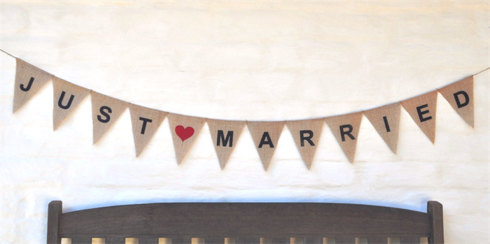 . PlusPng.com JUST MARRIED Hessian Burlap Wedding Celebration Party Banner Bunting  Decoration PlusPng.com  - Just Married Banner PNG