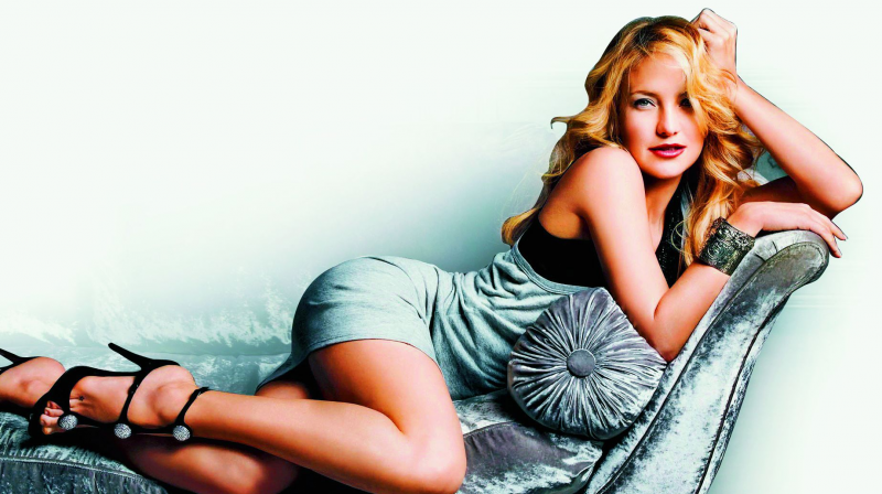 Kate reportedly made her stylist post nudes of her on Instagram. - Kate Hudson PNG