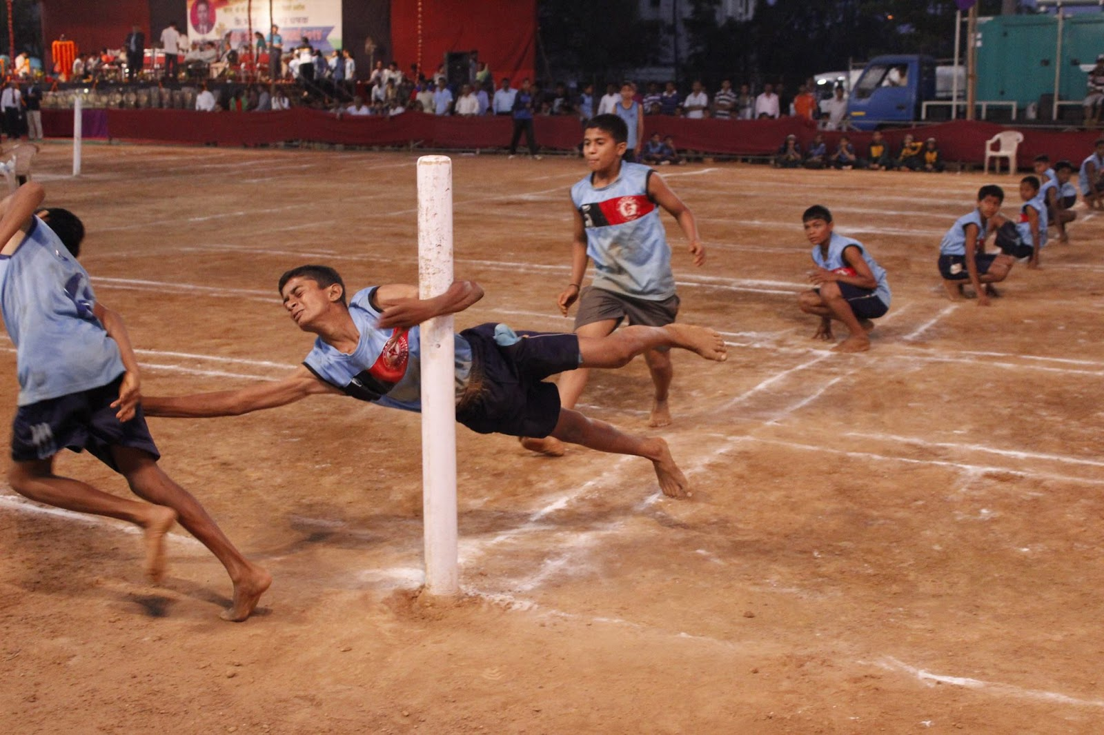 Kho Kho skills pole diving - Kho Kho Game PNG