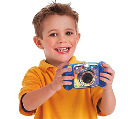 Kids love taking pictures, but handing over an expensive camera to a  toddler can be nerve wracking. Enter the Kidizoom DUO from VTech. - Kid With Camera PNG
