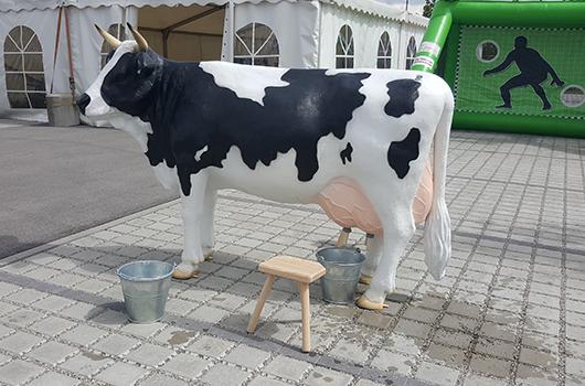 Kuhmelken mieten in München - Kuh Melken PNG