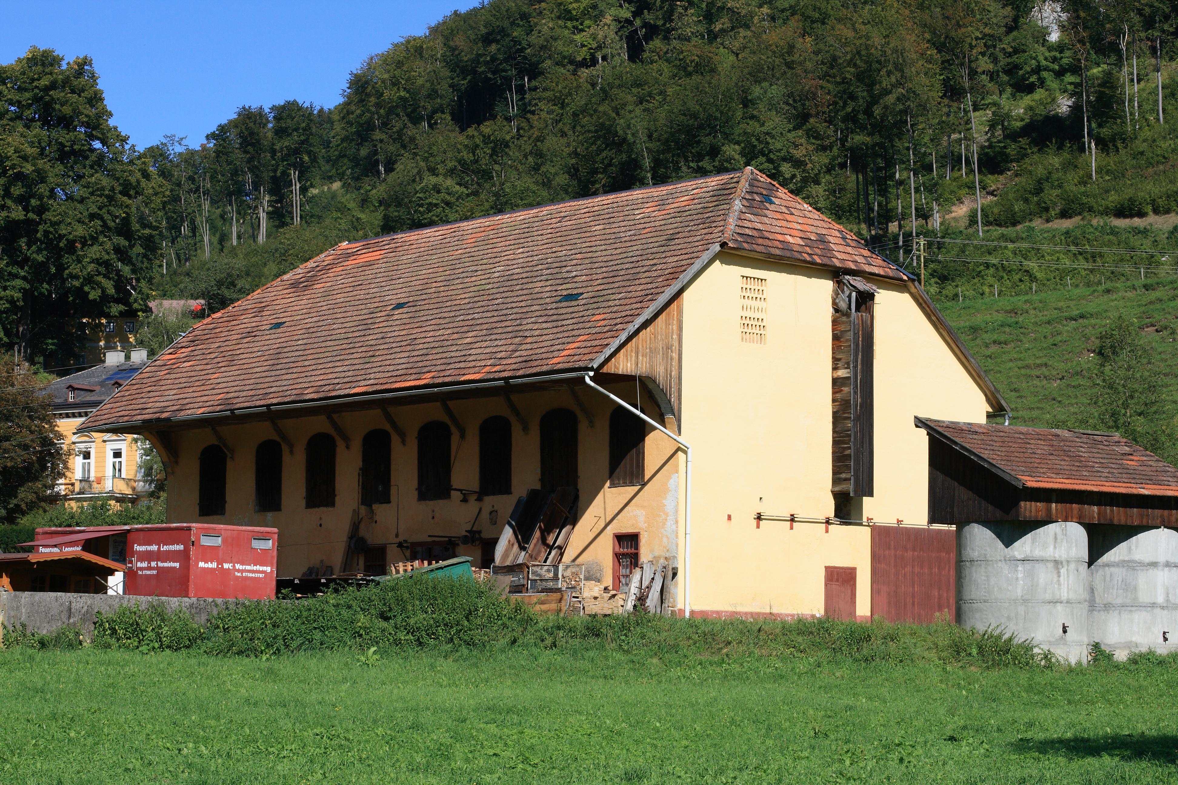 Datei:Ensemble Schmiedleithen - Kuhstall.png - Kuhstall PNG