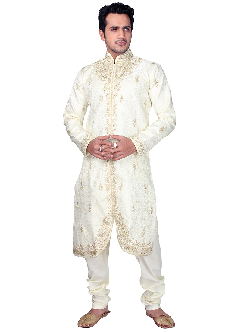 A fancy Kurta pajama is adorned with various types of work like sequin,  embroidery, mirror, butti and zari. These fancy embroidered Kurta pajama is  suitable PlusPng.com  - Kurta PNG