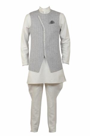 Offwhite kurta truser set with steel grey quilted jacket - Kurta PNG