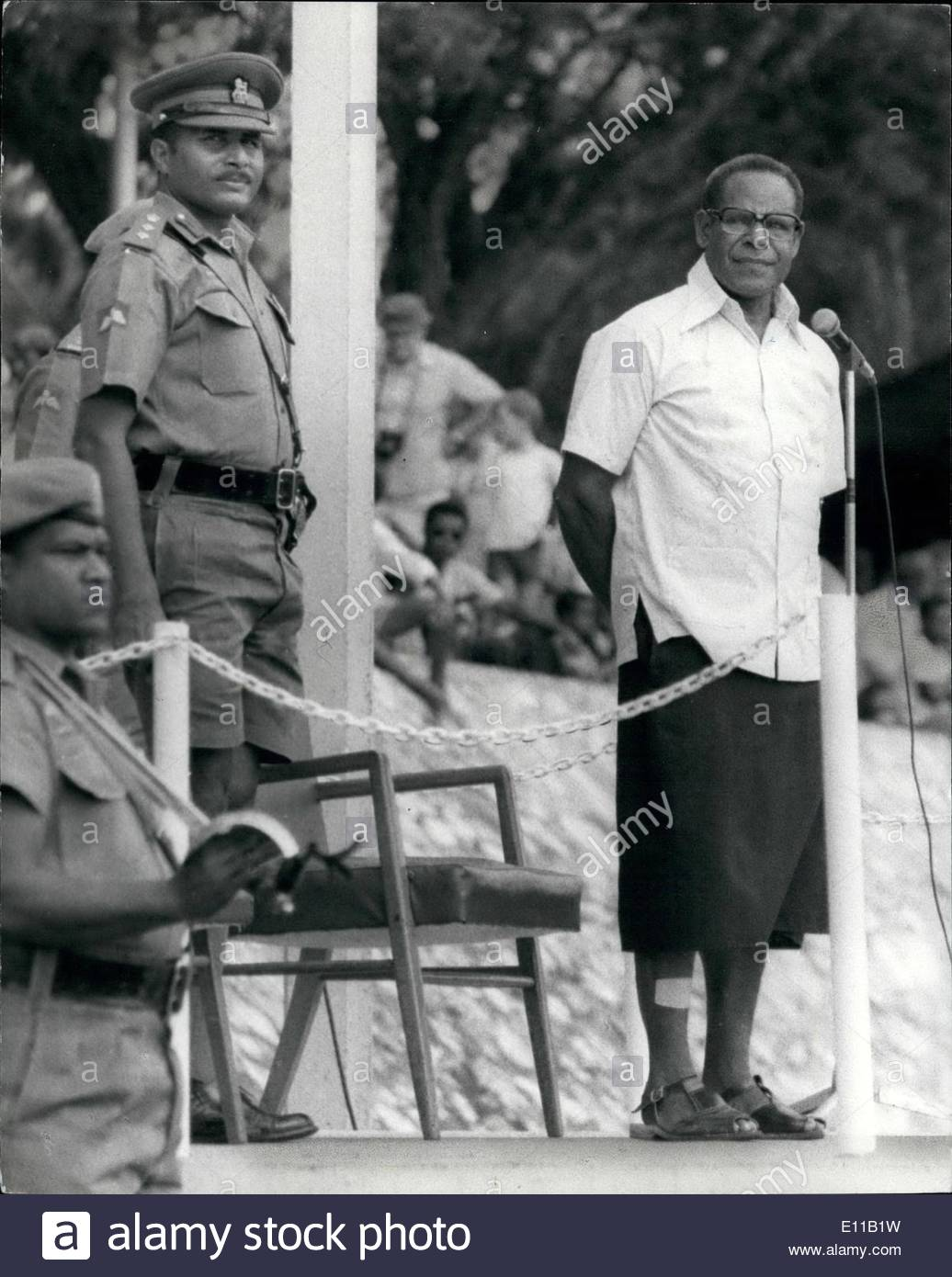 07, 1976 - Papua New Guinea: Sir Moari Kiki, Minister for Defense, Foreign  Relations and Trade(on right) standing on left is Col. Kwago Guria, Chief  of PlusPng.com  - Kwago PNG