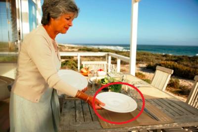 Which is correct, u0027layingu0027 or u0027lyingu0027? - Lay The Table PNG