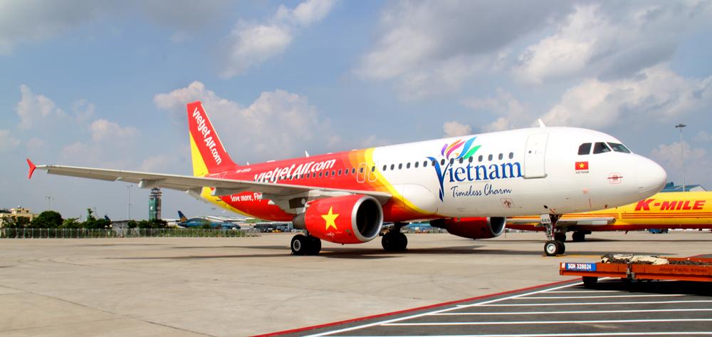 vietjetair -unveils-new-aircraft-and-design-featuring-vietnams-official-tourism-logo-and-slogan  - news - VietJetAir pluspng.com - Enjoy Flying! - Logo Vietjet Air PNG