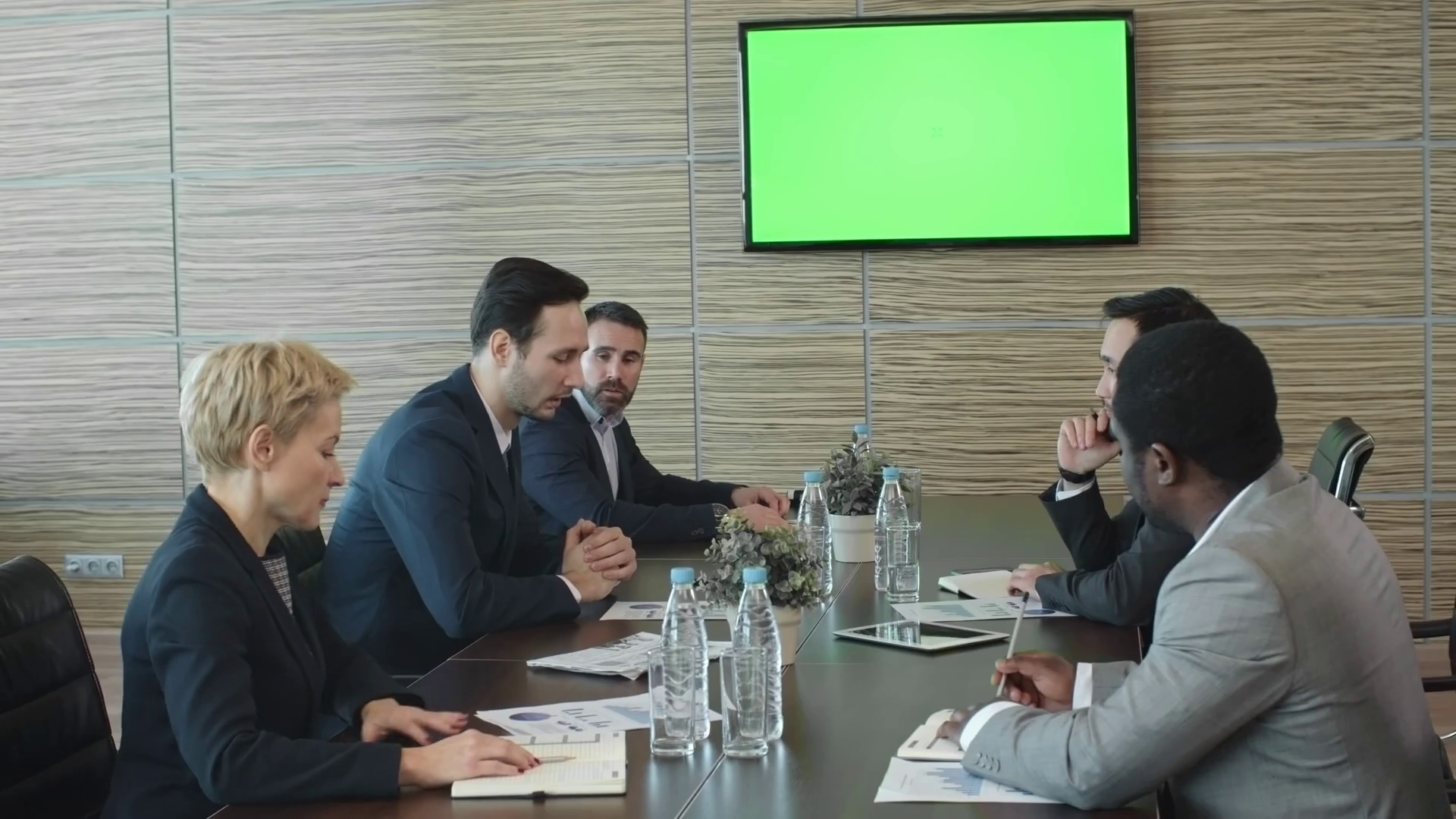 Group of business people sitting behind table in conference room and  discussing finance, LED TV screen with chroma key in background Stock Video  Footage - PlusPng.com  - Meeting HD PNG