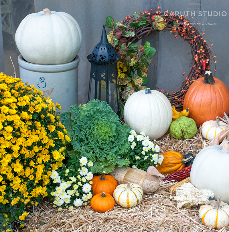 pumpkins, wreath, lantern, and flowering mums - Mums And Pumpkins PNG