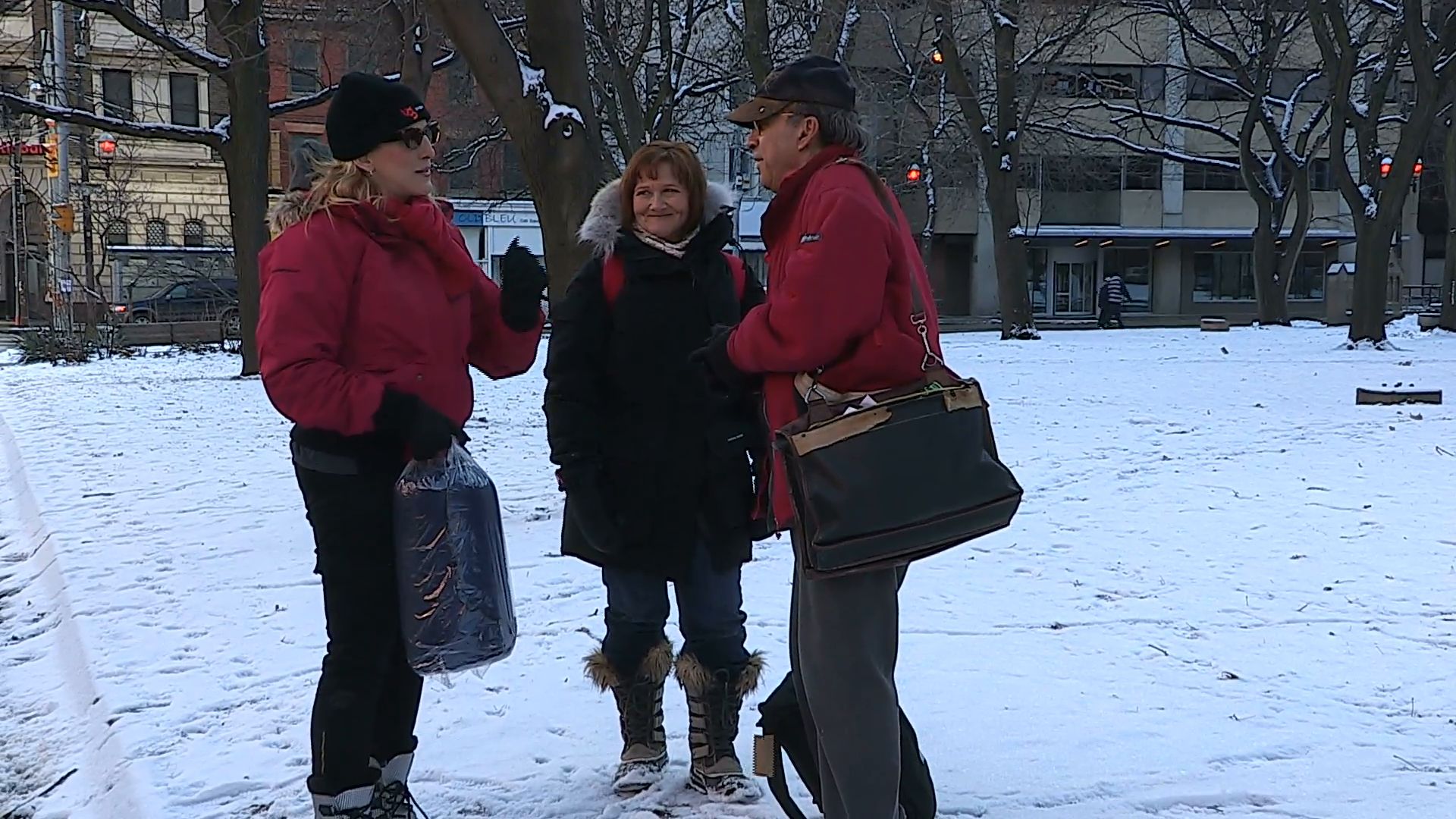 Workers packaging aid and supplies and delivering it to homeless people  living on the streets of Toronto during cold winter weather Stock Video  Footage - PlusPng.com  - People In Cold Winter PNG