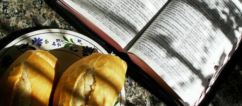 Un itinerario per assaporare la Parola e gustare cibi e bevande: Bibbia e  cucina - PNG Cibo E Bevande