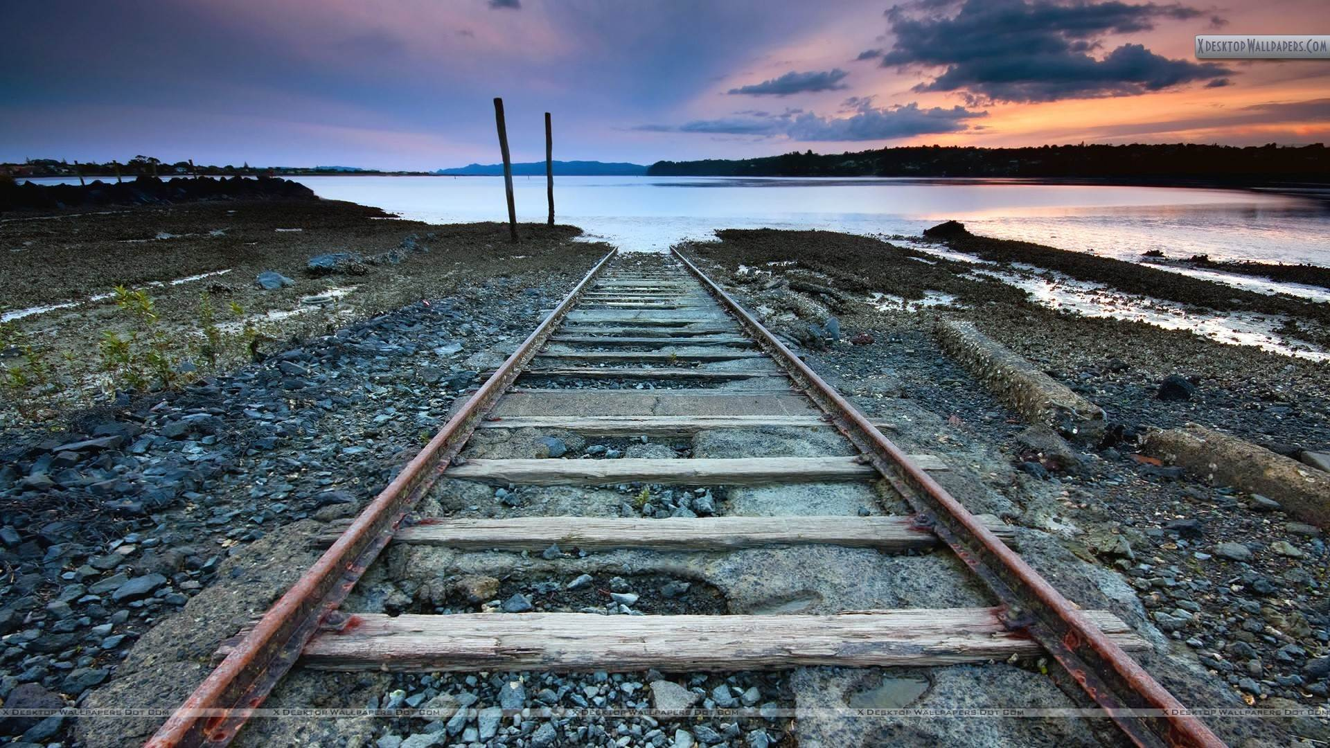 Rail Tracks Dead End Near Sea - PNG HD Train Tracks