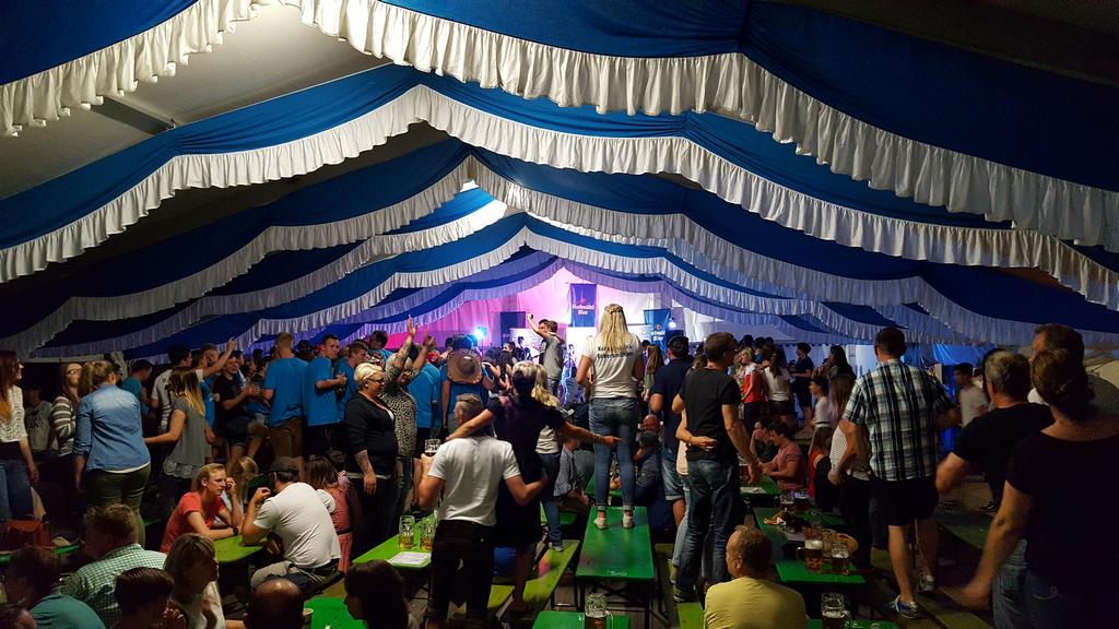 Die Kirchweih in Eckersmühlen war dieses Jahr für alle ein voller Erfolg.  Neben der Feuerwehr Eckersmühlen waren dieses Jahr alle Vereine beteiligt,  PlusPng.com  - PNG Kirchweih