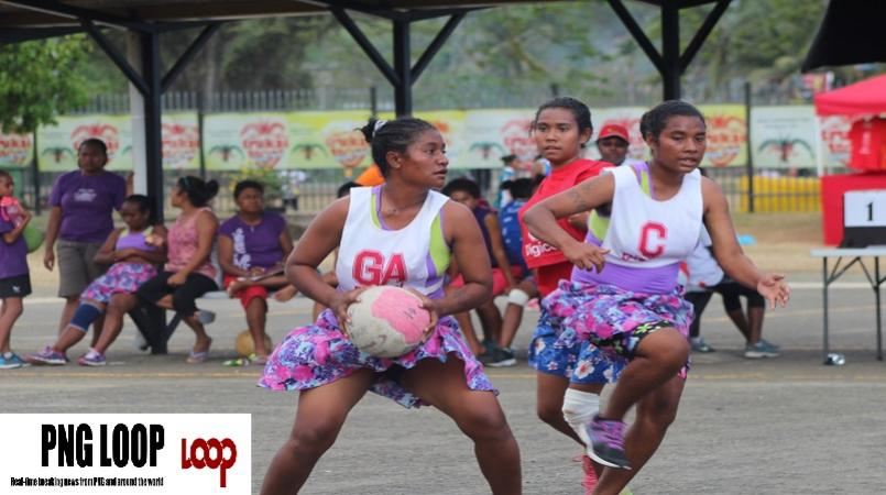 Kairuku Hiri (1) cruised to a 21-12 win over Central Province in the U21  division games at the 2015 Digicel PNG netball championships in Alotau this  PlusPng.com  - PNG Netball