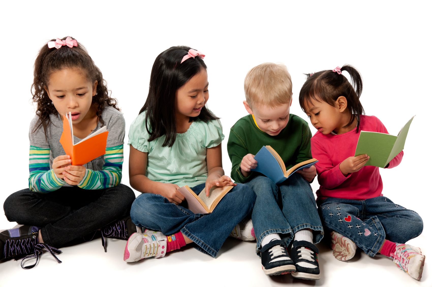 four children reading - PNG Reading Children