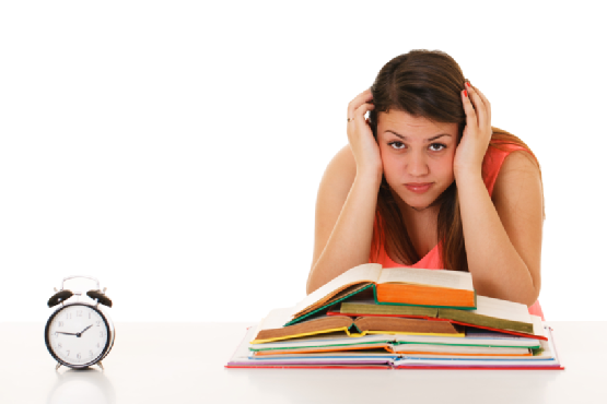 PNG Student Studying - 61158