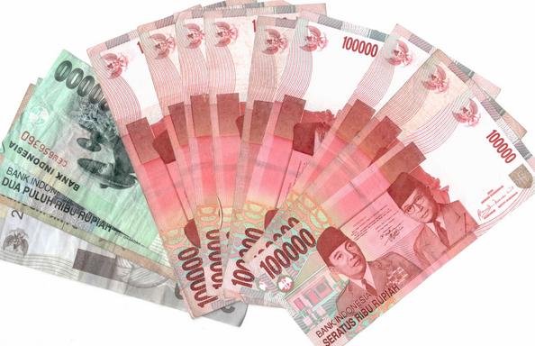 rupiah melemah dari dollar - Rupiah PNG