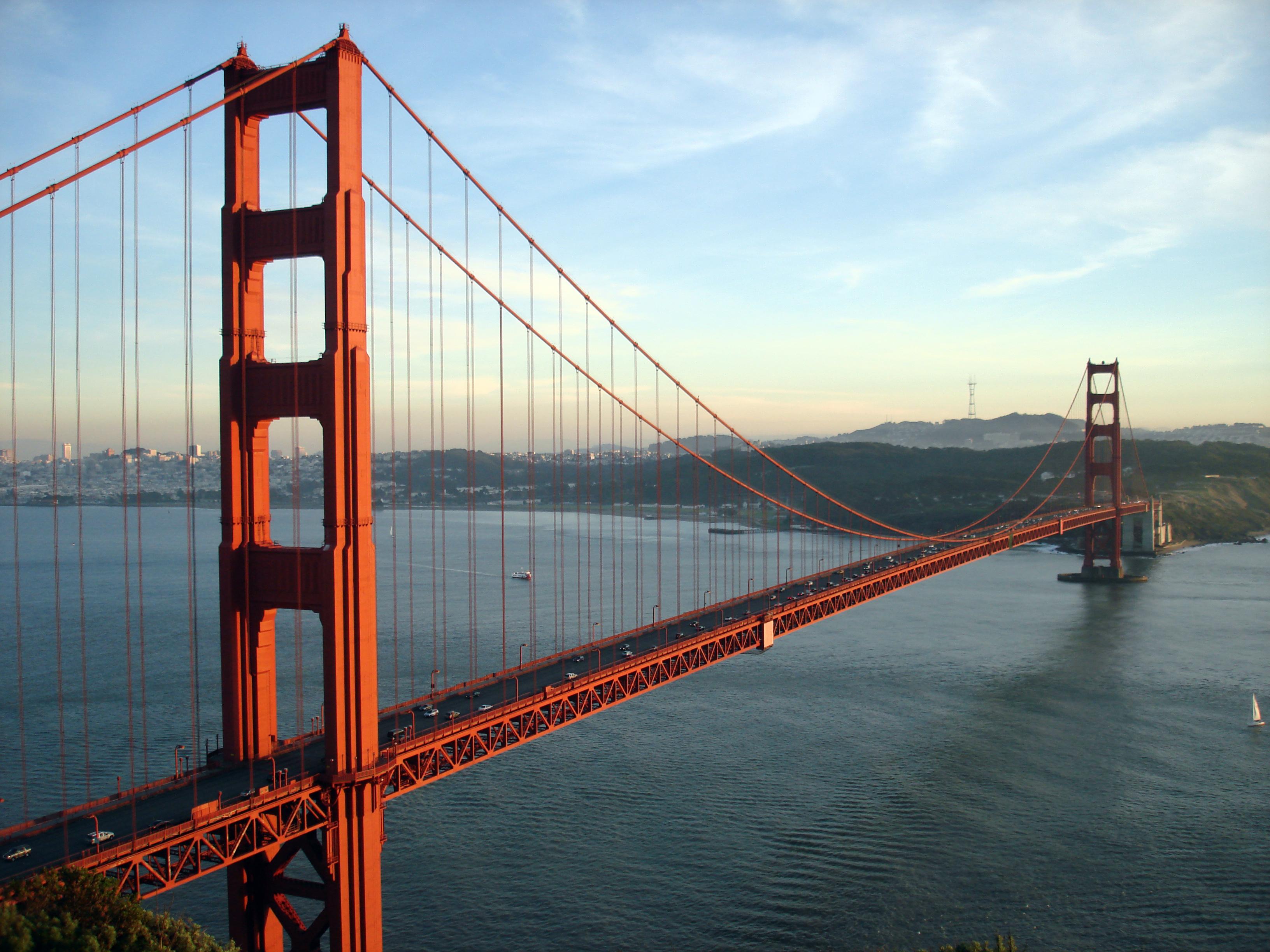 File:GoldenGateBridge-001.jpg - Simple Golden Gate Bridge PNG