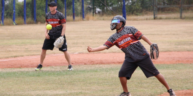 slowpitch softball player png transparent slowpitch softball player png images