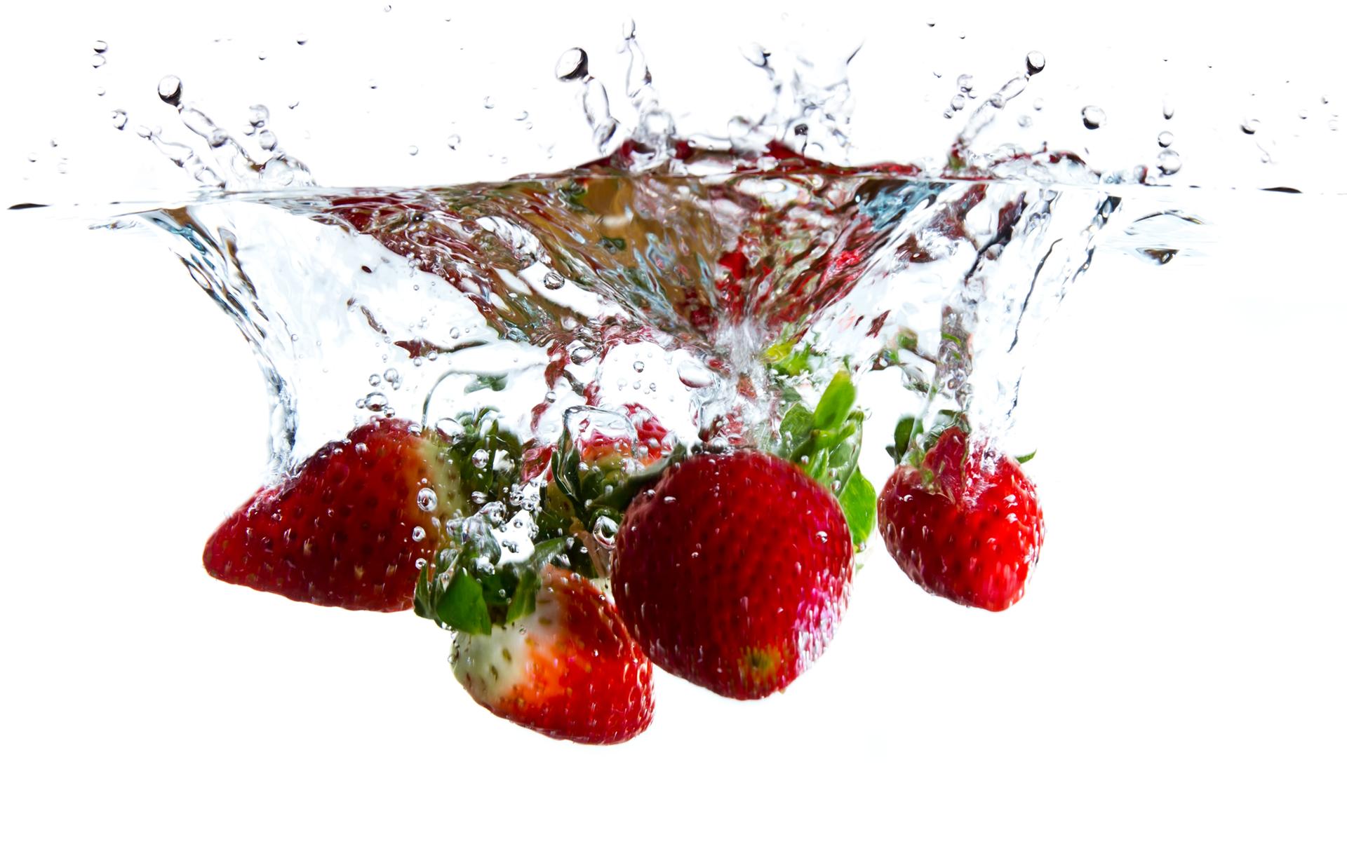 Strawberry Water Splash - Fruit Water Splash PNG
