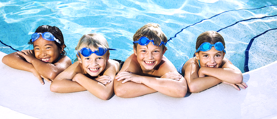 Swimming PNG - 5907
