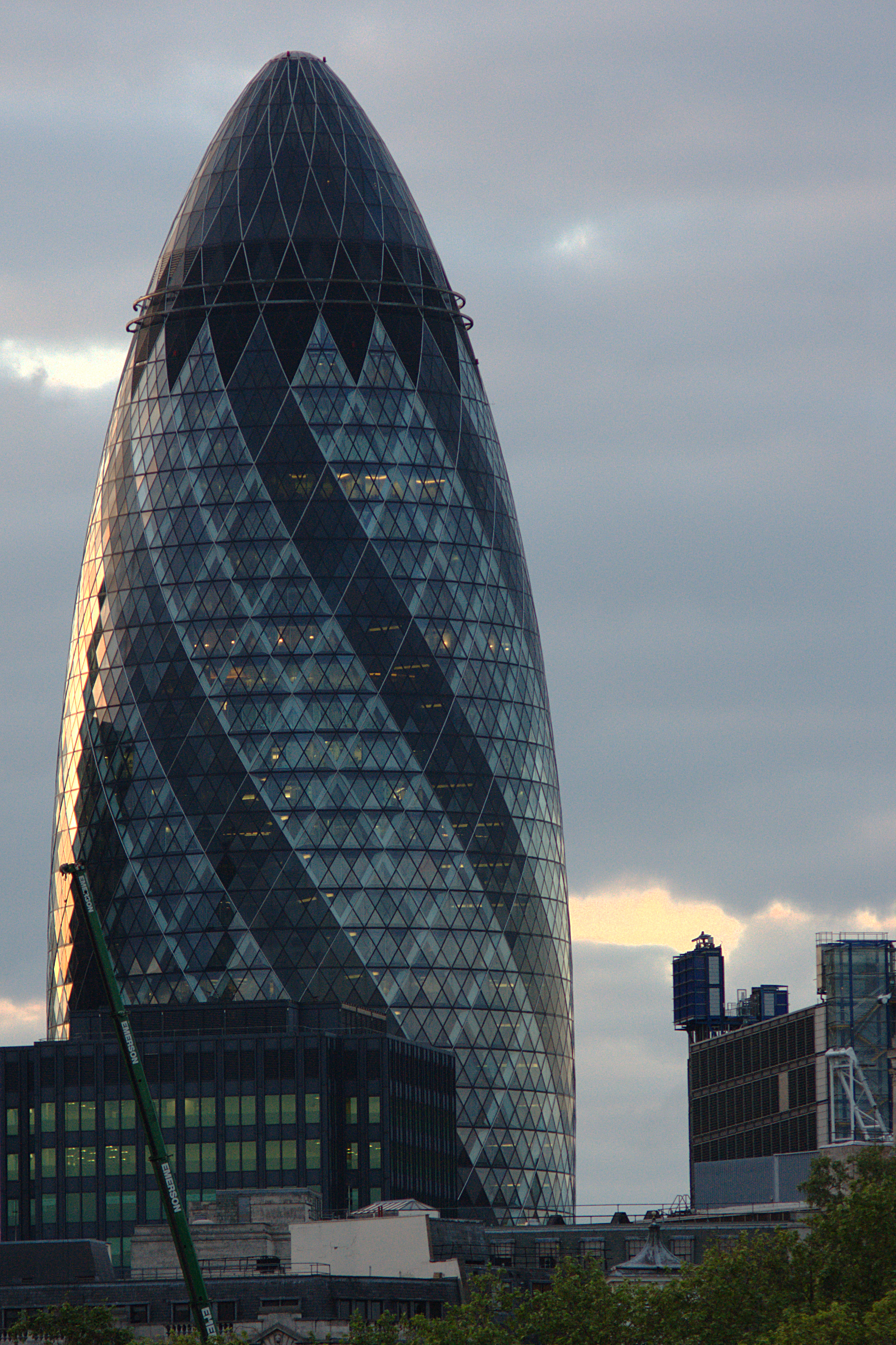 File:Swiss Re Tower (Gherkin) London UK.png - Swiss Re PNG