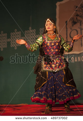 JAISALMER, RAJASTHAN, INDIA, 30 NOVEMBER 2013 : Unidentified Rajasthani Folk  Dancer in traditional - Traditional Dress Of Rajasthan PNG