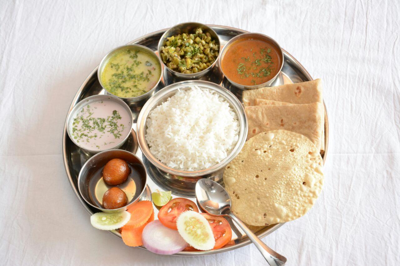 Veg Thali. Fish Curry - Veg Thali PNG