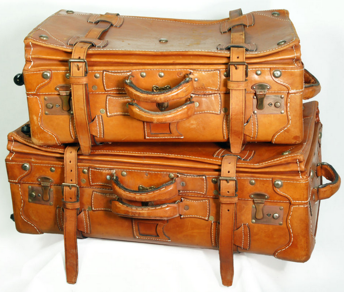 . PlusPng.com more travelers owned their automobile, or opted for airplanes over  other means of transportation. The steadfast and true old leather or fiber  suitcase PlusPng.com  - Vintage Suitcase PNG