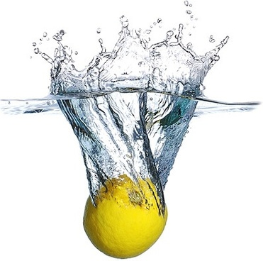 plunged into the water lemon picture - Water Glass HD PNG